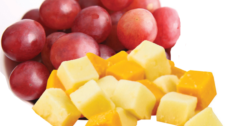 Picture of Fresh Cuts Grapes & Cheese Chunks